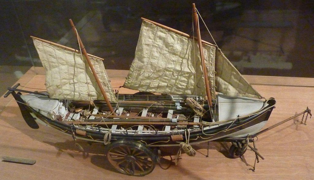 Maquette du premier type de canot de sauvetage à avirons choisi par la SCSN dès 1865 pour équiper ses stations photographie: Musée national Maritime de Port Louis