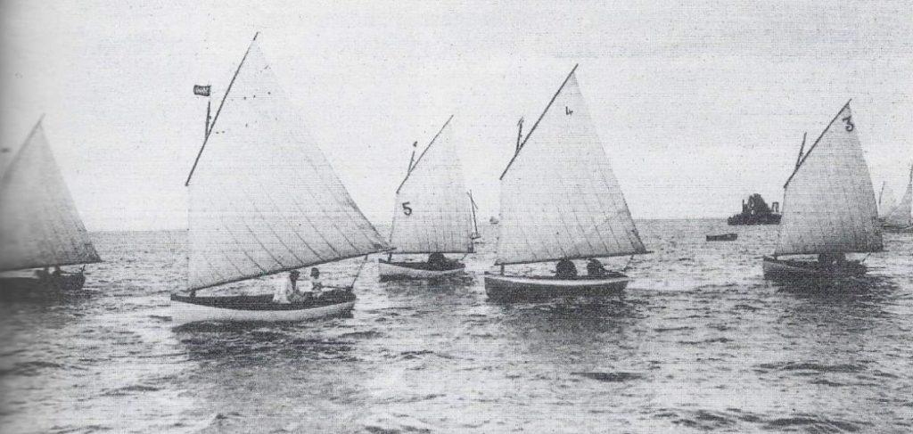 Des monotypes sur les plans de Joseph Guédon, construits par le chantier Barrière et grées par la voilerie Claverie