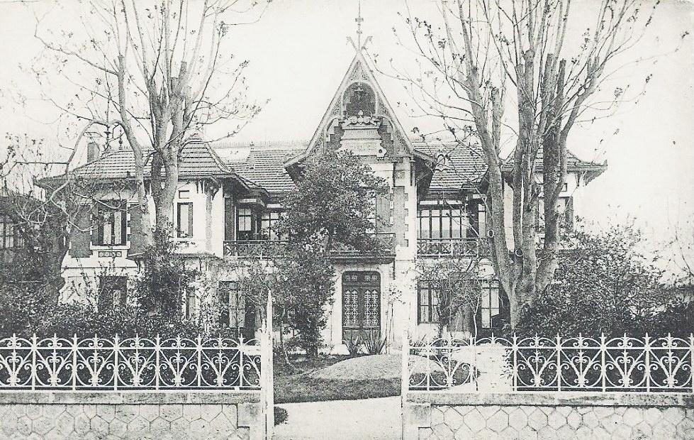 Villa Claire, coté boulevard de la plage.