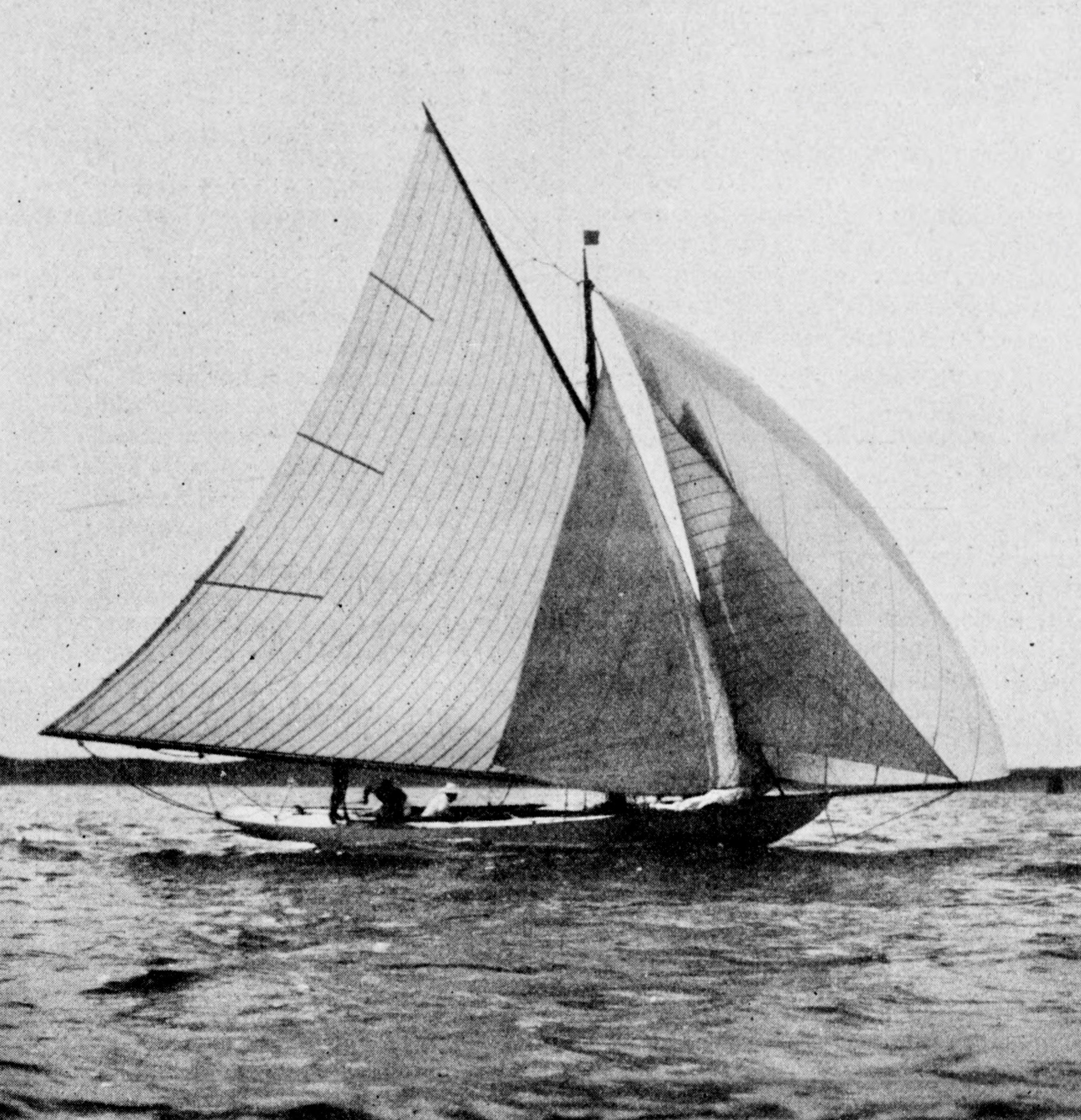 Le cutter Valentine de Madame Renouard naviguant sur le Bassin d'Arcachon