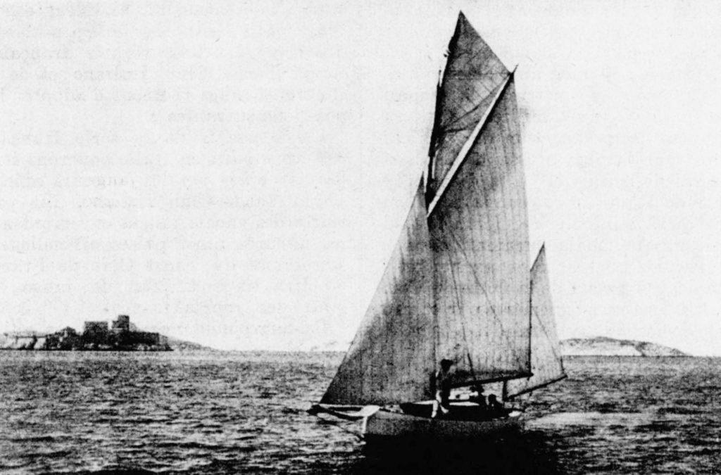 L'Horizon du chantier naval Bonnin naviguant en Méditerranée
